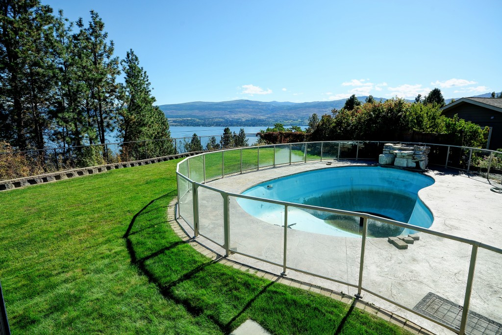 Patio to pool rebecca april kelowna realtor interior for Pool design kelowna